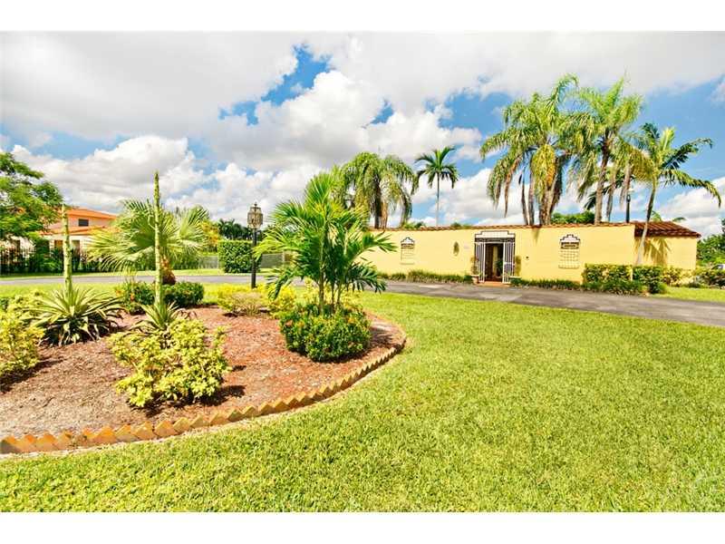 9805 Sw 64th St, Miami, FL 33173