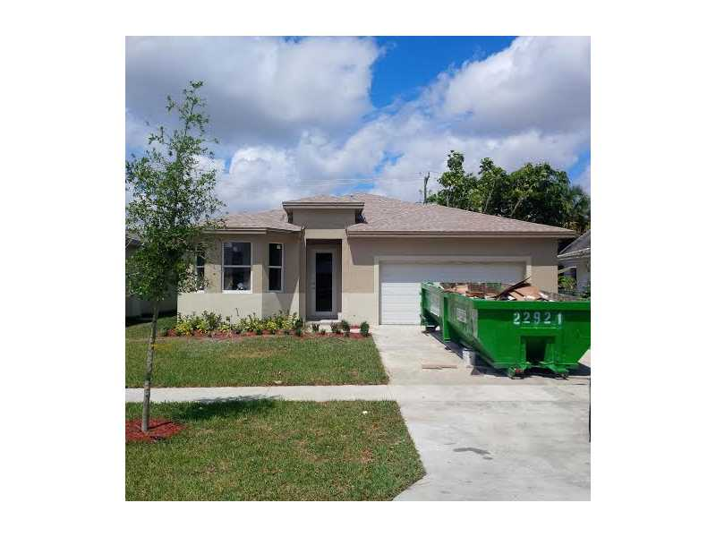 4821 Harrison St, Hollywood, FL 33021