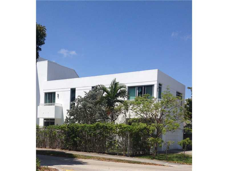 563 NE 15th Ave, Fort Lauderdale, FL 33301