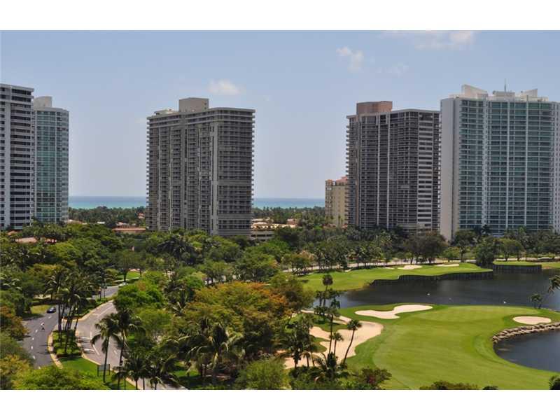 3625 N Country Club Dr # 1208, Miami, FL 33180
