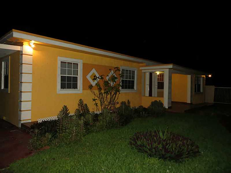 2122 Nw 105th St, Miami, FL 33147