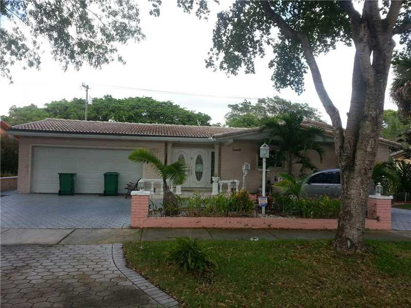 14501 Lake Candlewood Ct, Miami Lakes, FL 33014