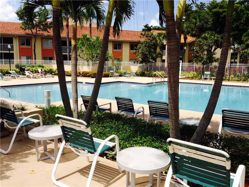 Rental Homes for Rent, ListingId:34011543, location: 1144 THE POINTE DR Palm Beach 33480