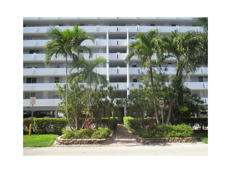 3703 NE 166 St # 206, North Miami Beach, FL 33160
