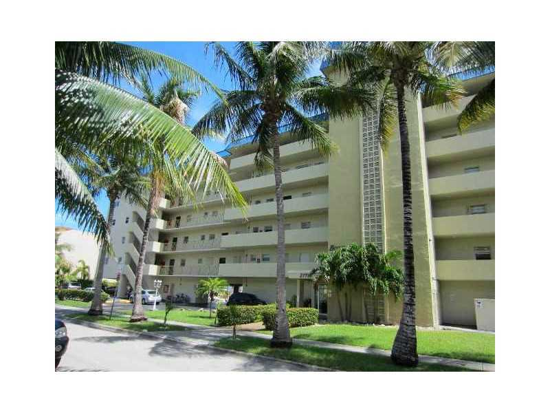 3770 NE 171 St # 206, North Miami Beach, FL 33160