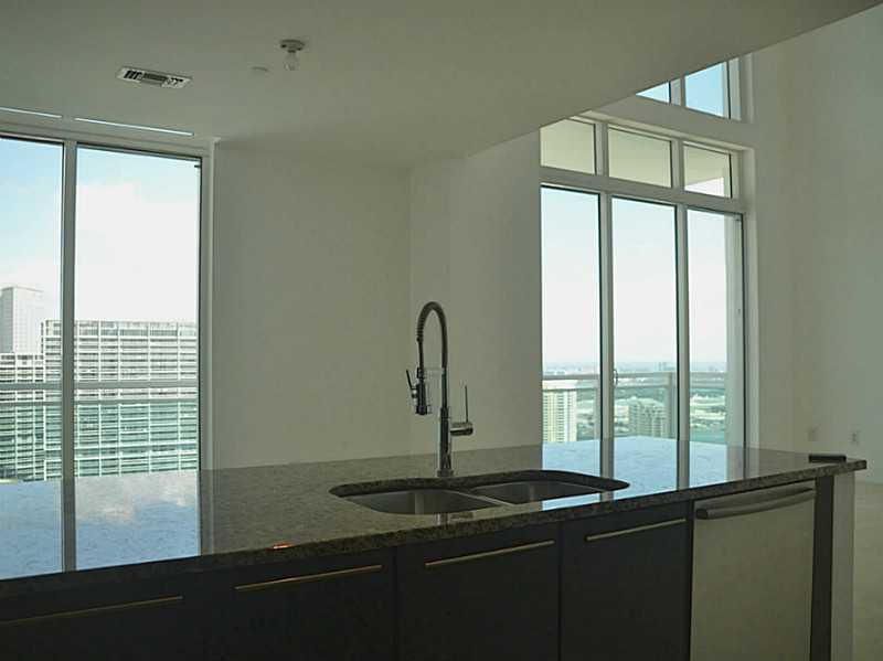 950 Brickell Bay Dr # 5506, Miami, FL 33131