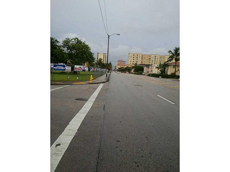 3680 Sw 13th St, Miami, FL 33145
