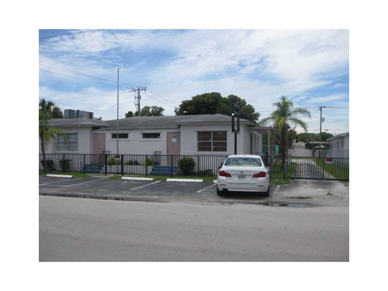 Pierce St, Hollywood, FL 33020