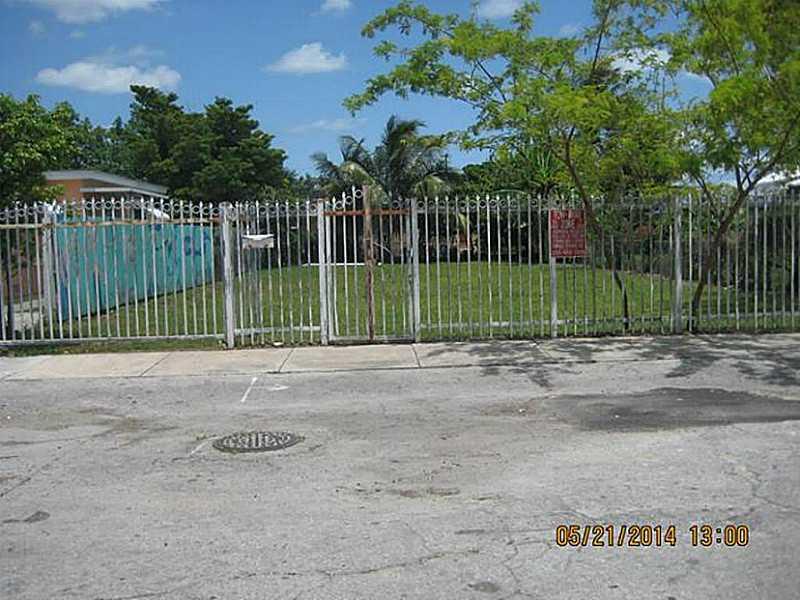 1011 Nw 21st Ct, Miami, FL 33125
