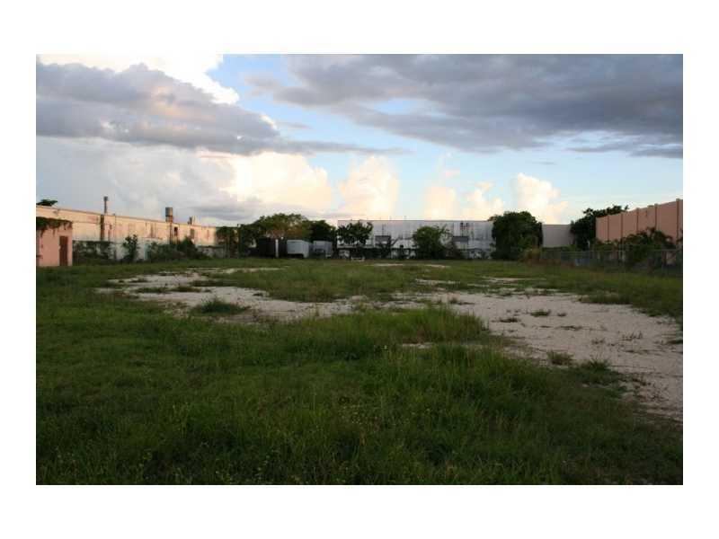Rutland St, Opa-Locka, FL 33054