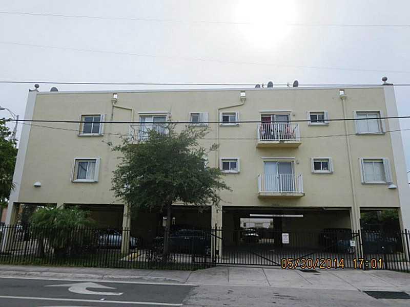 3201 W Flagler St # 105, Miami, FL 33135