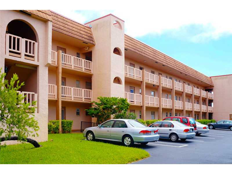 9580 Sunrise Lakes Bl # 203, Sunrise, FL 33322