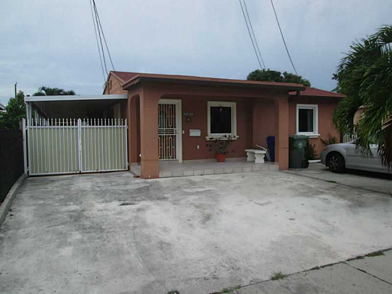 3261 Nw 17th St, Miami, FL 33125