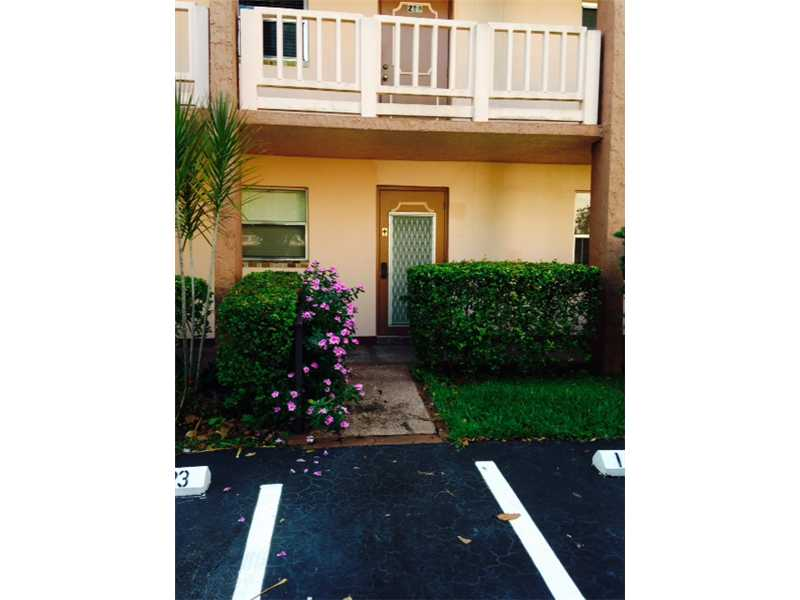 9440 Sunrise Lakes Bl # 110, Sunrise, FL 33322