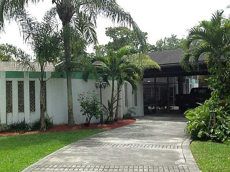 6910 SW 145th St, Miami, FL 33158