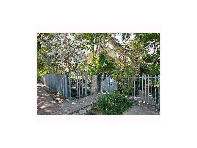 732 Lenox Ave # B2, Miami, FL 33139