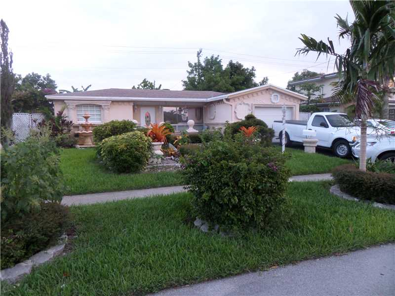 3524 Nw 35 St, Lauderdale Lakes, FL 33309