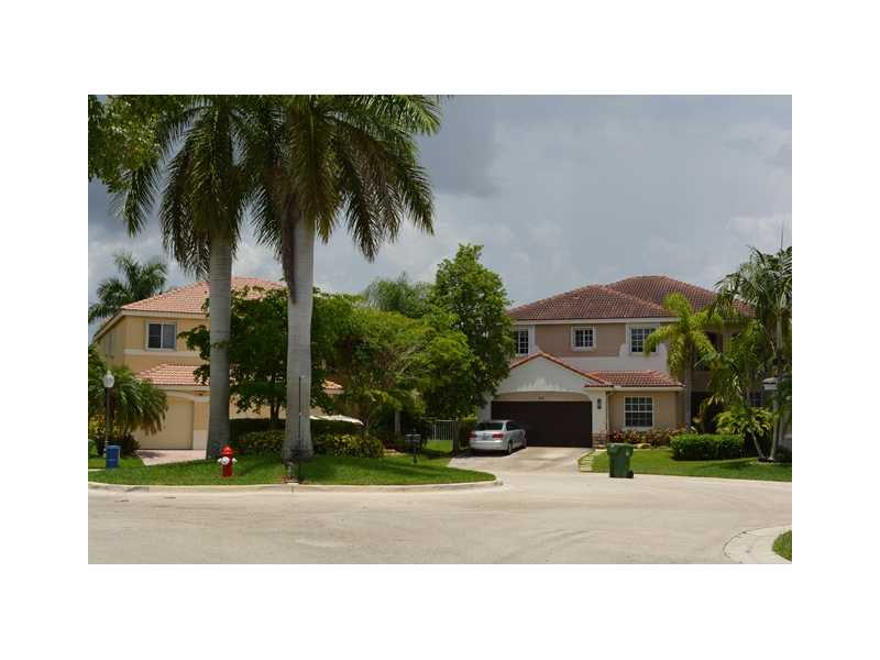 1434 Thrush Ct, Fort Lauderdale, FL 33327