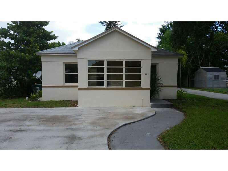 208 Sw 3rd Pl, Dania, FL 33004