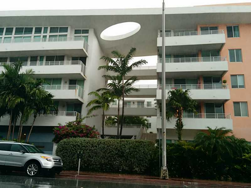 7800 Collins Ave # 305, Miami Beach, FL 33141