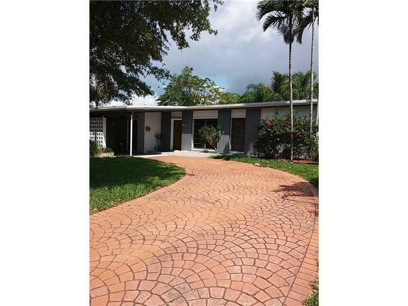 9631 Bahama Dr, Cutler Bay, FL 33189