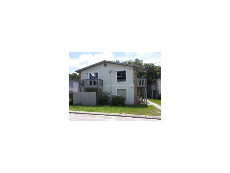 15423 Livingston Ave, Lutz, FL 33559