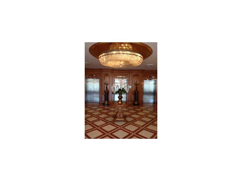 700 Biltmore Way # 416, Coral Gables, FL 33134