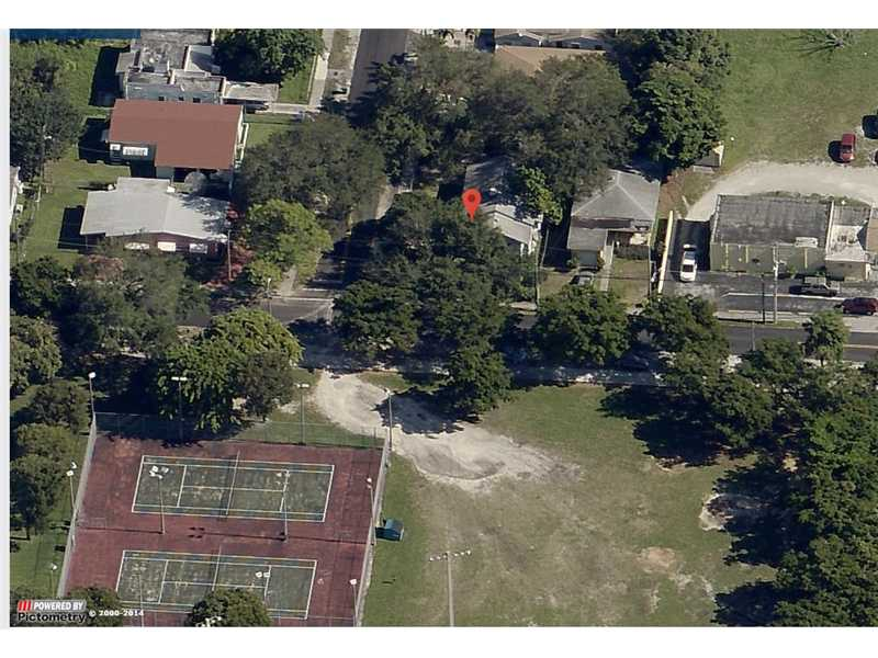 1990 NW 55th St, Miami, FL 33142