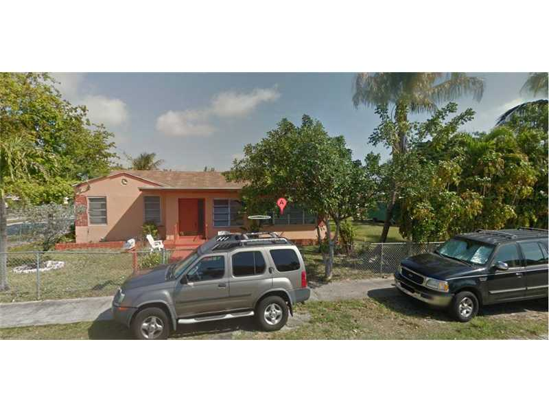 2339 Dewey St, Hollywood, FL 33020