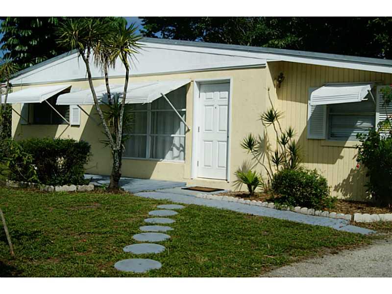 435 Pensacola Dr, Lake Worth, FL 33462