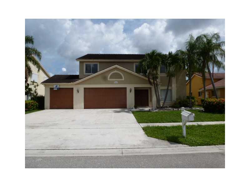 10821 Fox Glen Dr, Boca Raton, FL 33428