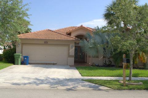16906 Crestview Ln, Fort Lauderdale, FL 33326
