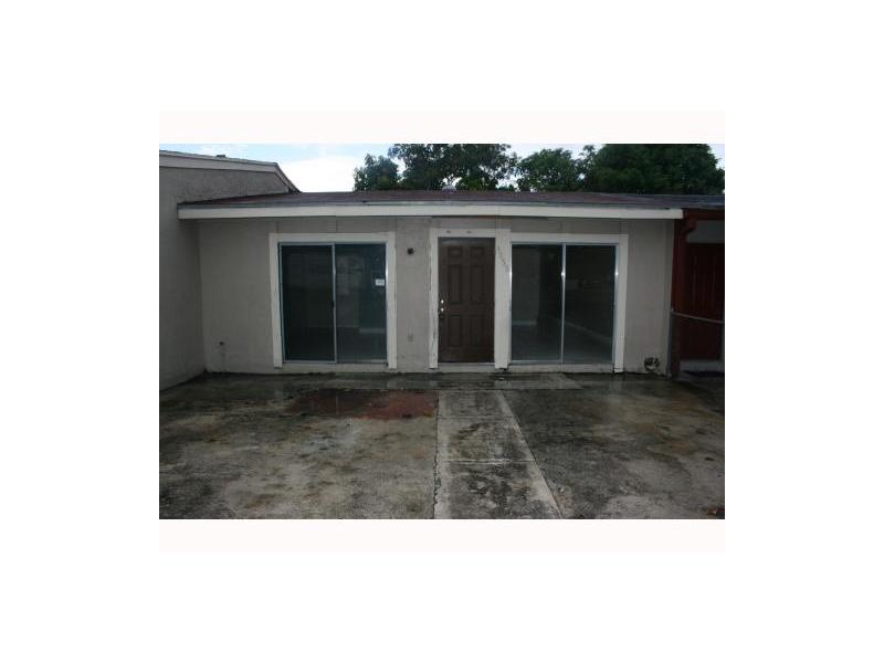 3855 NW 213th St, Miami Gardens, FL 33055