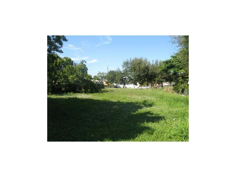 1928 Nw 66th St, Miami, FL 33147