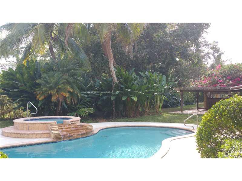 6630 Sw 72nd Ct, Miami, FL 33143