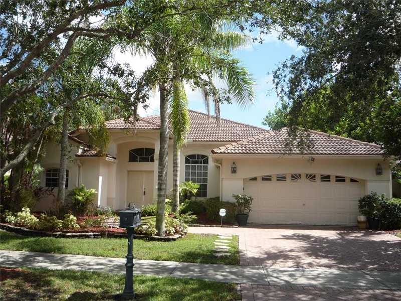 2760 Oakbrook Ln, Fort Lauderdale, FL 33332