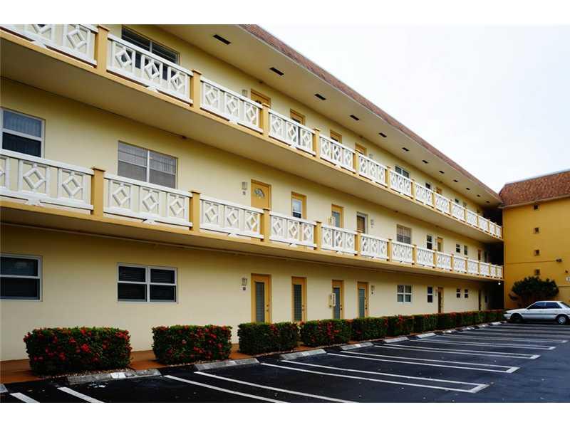 5141 W Oakland Park Bl # 202, Lauderdale Lakes, FL 33313