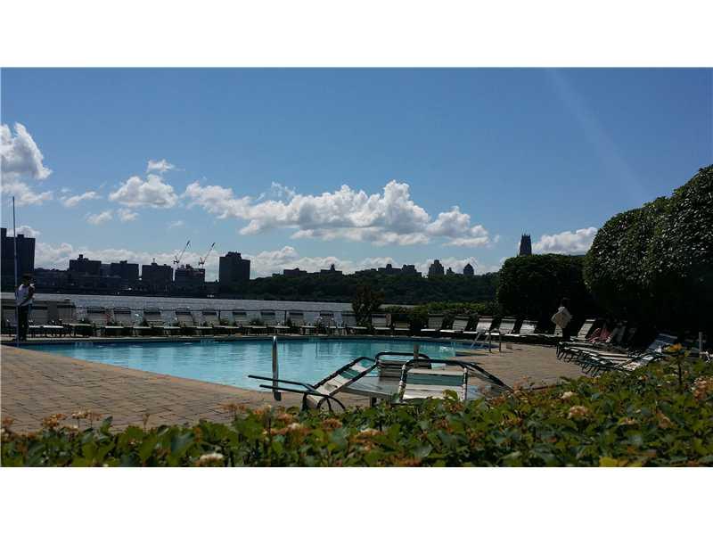 Real Estate for Sale, ListingId: 32145339, Edgewater,NJ07020