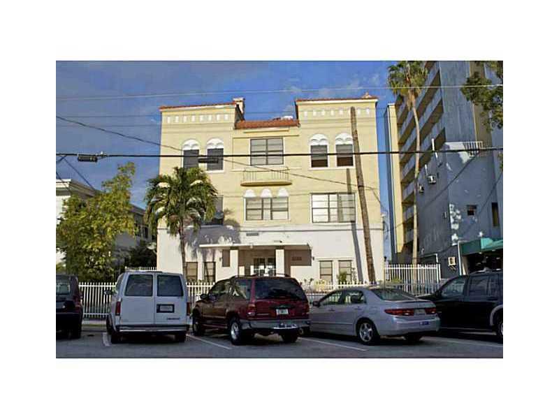 7149 Bay Dr # 4, Miami Beach, FL 33141