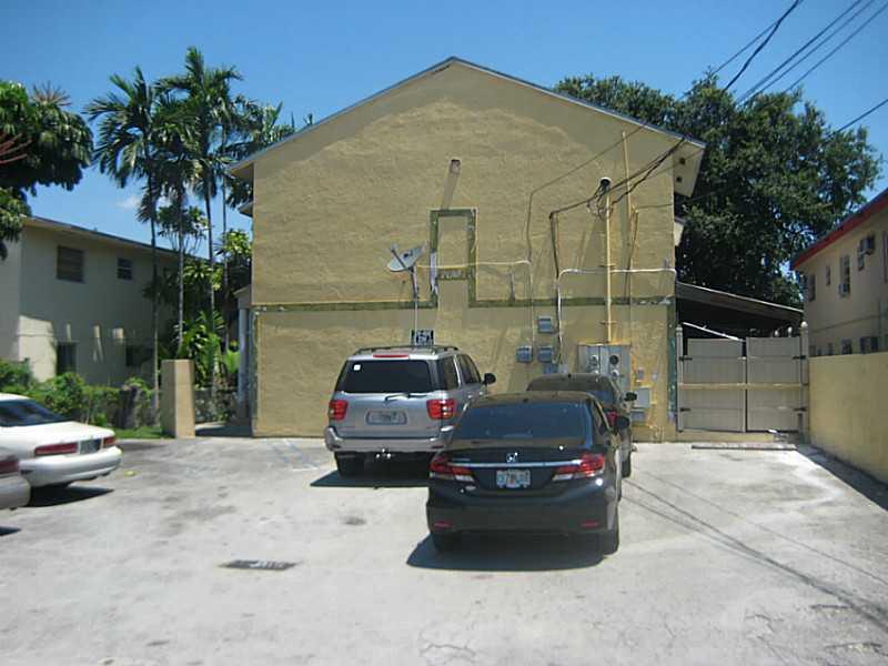 1613 NW 16 St # B, Miami, FL 33125