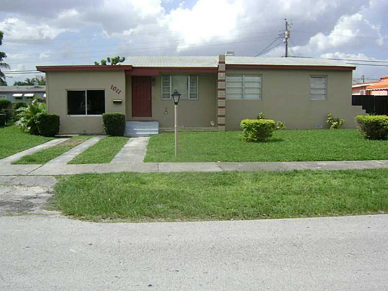 1011 NW 90th St, Miami, FL 33150