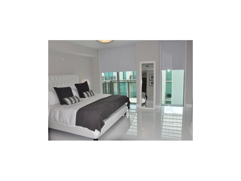 6000 Collins Ave # 525, Miami Beach, FL 33140