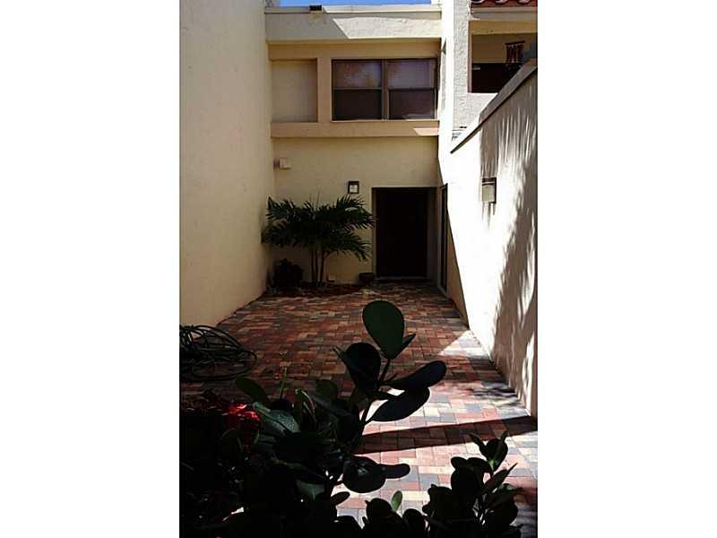 361 Fern Dr # 7-3, Fort Lauderdale, FL 33326
