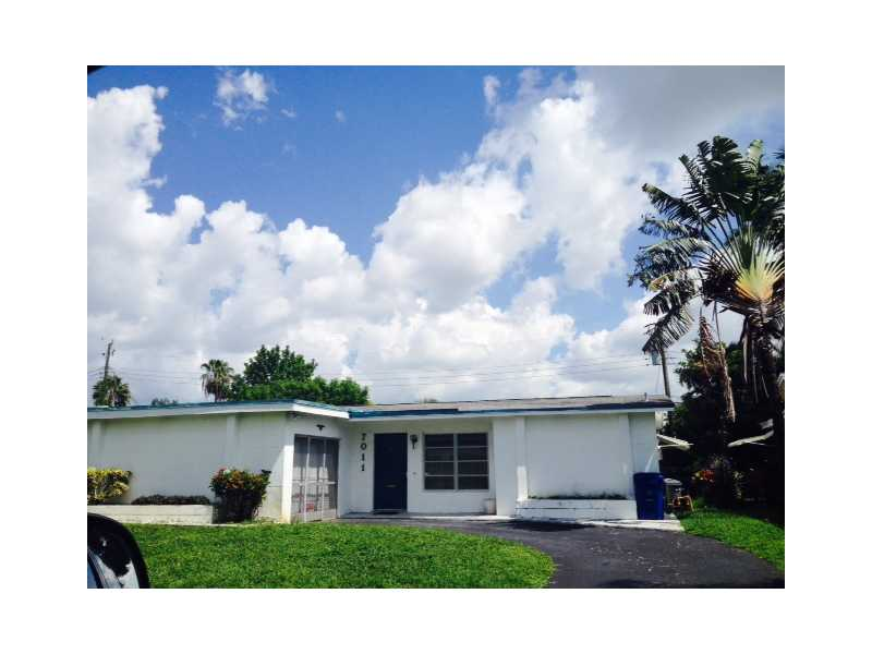 7011 Nw 24th Pl, Sunrise, FL 33313