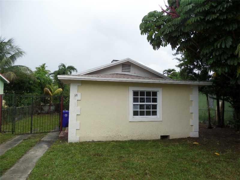 121 Nw 68th St, Miami, FL 33150