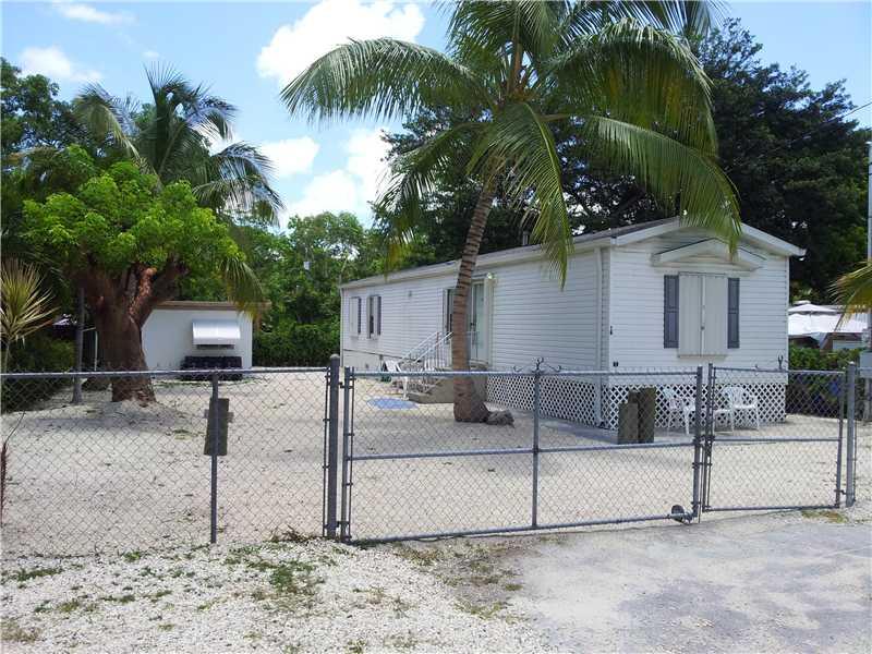 18 Judy Pl, Key Largo, FL 33037