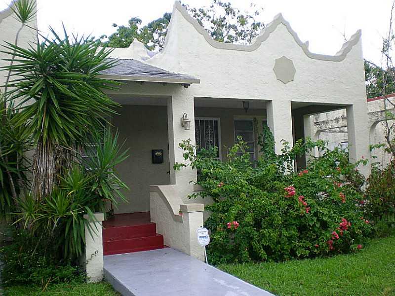 562 Nw 50th St, Miami, FL 33127