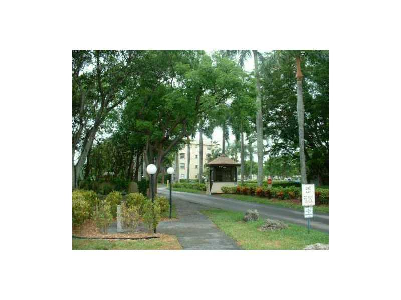111 Royal Park Dr # 4b, Oakland Park, FL 33309