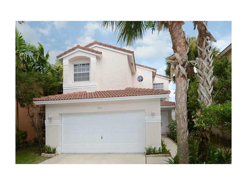 9851 Fairway Cove Ln, Fort Lauderdale, FL 33324