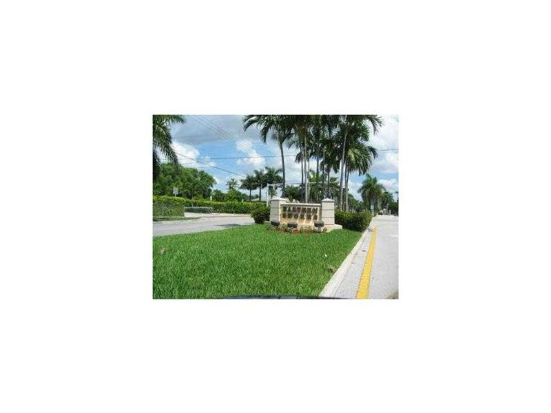 3600 Ne 170 St # 308, North Miami Beach, FL 33160